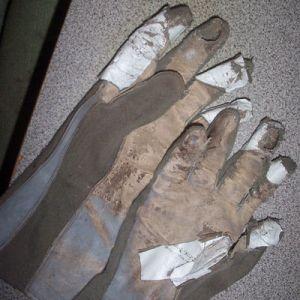 gloves-beat-up-sm
