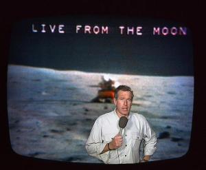 bw-live-moon