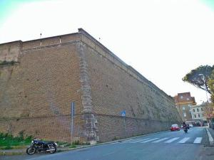 vatican-city-wall